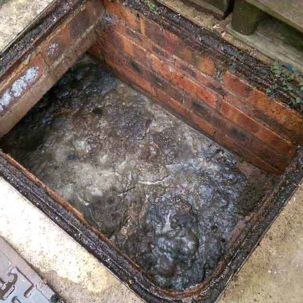 unblock drain pipe